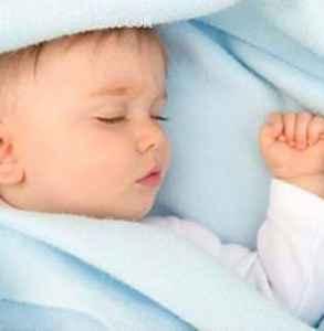 宝宝睡觉晚怎么调整 可试试这四种方法