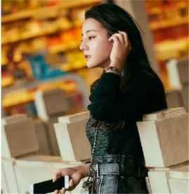 女星组与超模组秋日街拍  衣品大PK精彩纷呈你心水哪个?