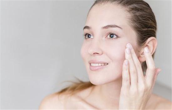 精油用在护肤哪一步 精油用在护肤第三步