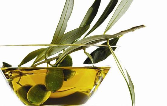 橄榄油可以直接擦脸吗 教你正确使用橄榄油擦脸
