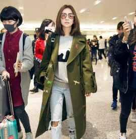 跟着Ella的机场私服 穿出裤装的率性与女人味