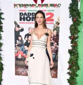 Alessandra Ambrosio 白裙惊艳洛杉矶 红毯 一家四口幸福洋溢