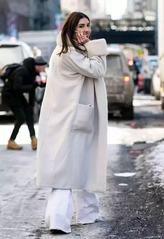 冬天阔腿裤搭配大衣 让你的冬日气场全开