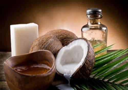 椰子油可以涂脸吗 可以清洁但是不建议做面霜