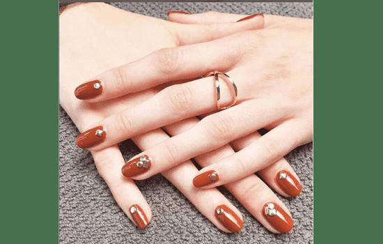 让你的手美美哒~-橘色美甲图片2017款式 显手白秋冬脏橘色系美甲