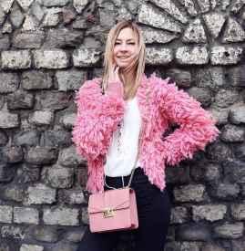 粉色包包搭配服装图片 错过粉色大衣也不要错过粉色包包