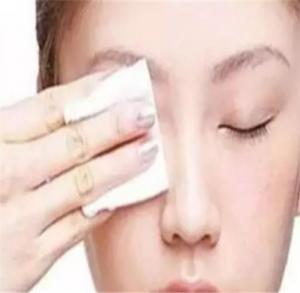 冬天化妝起皮怎么辦 3個細節拯救化妝起皮問題