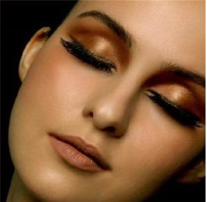 红棕色眼影怎么画 一款秋冬暖色眼妆教程