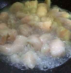 猪油熬出来为什么不白 怎么熬出一碗清亮洁白的猪油