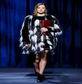 Givenchy2018秋冬巴黎时装周