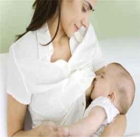 宝宝总是咬奶头怎么办 宝宝咬乳头的解决方法