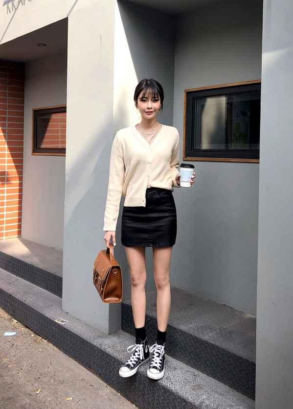 黑色短裙配什么鞋子各种style随意切换