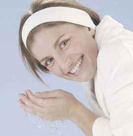 艾叶水洗脸有什么好处 美白祛痘的好帮手
