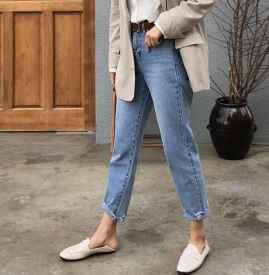 直筒牛仔裤搭配各路鞋子有腔调