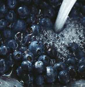 吃蓝莓要剥皮吗 蓝莓皮上的白粉能吃吗