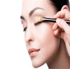 单眼皮化妆技巧是什么 单眼皮化妆技巧介绍
