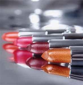 美寶蓮金屬唇膏有哪些 日常也可用的金屬色口紅