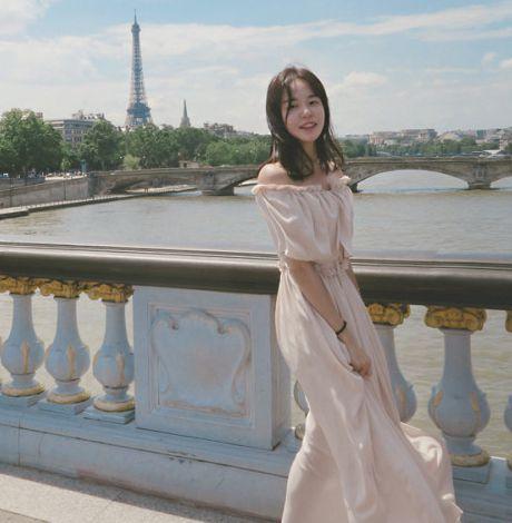 一字肩连衣裙如何搭配 夏日这样搭配充满少女感还招桃花