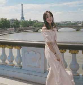 一字肩連衣裙如何搭配 夏日這樣搭配充滿少女感還招桃花