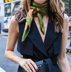 丝巾怎么搭好看 一条丝巾的N种搭配法