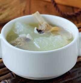 薏米冬瓜老鸭汤的功效 夏季饮此汤祛湿又消暑