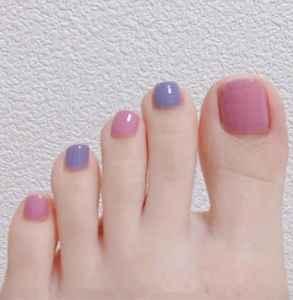 脚部美甲图片显白 为你的夏天准备一款脚部美甲吧