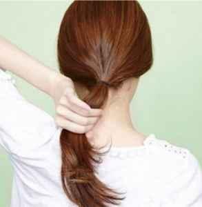 韩式低马尾发型怎么扎 八步就可以搞定哟