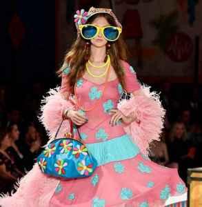 Moschino2019春夏男装及早春女装秀 充满戏谑与幽默讽刺