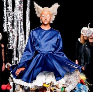 Charles Jeffrey Loverboy 2019春夏男装系列 戏剧化的舞台风格