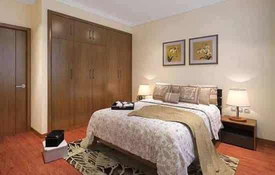 但如果卧室门内芯加了隔音棉,其隔音效果要比实木门好.