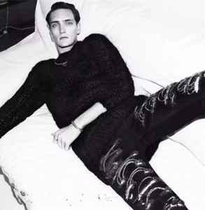 破洞牛仔裤品牌 街头元素也有高级奢华感