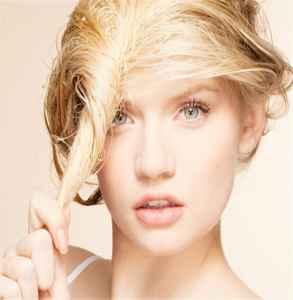 润发乳洗发水哪个先用 先用洗发水哟