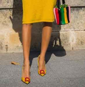 小黄鞋怎么搭  才最迷人又亮眼