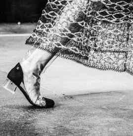 香奈儿pvc鞋 CHANEL透明靴展现夏日晶莹流光