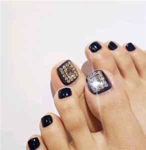 带钻脚美甲有哪些 精致的仙女连脚指甲都是带钻的