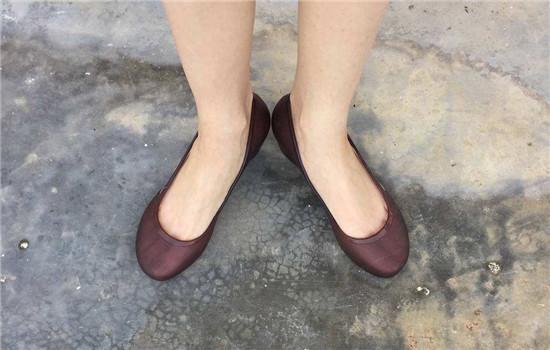 足膜敷多长时间能好 正确敷足膜才能拥有娇嫩美足