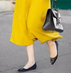 如何搭配平底鞋
