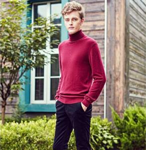 男生高领毛衣搭配 高领毛衣怎么穿才能显得脸小脖子长
