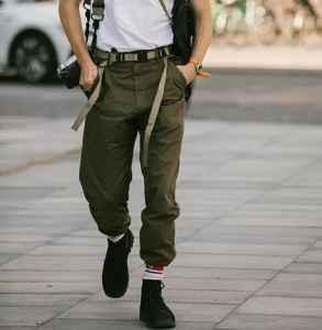 秋天旅游穿什么裤子好看 军绿色工装裤伴你十一出行