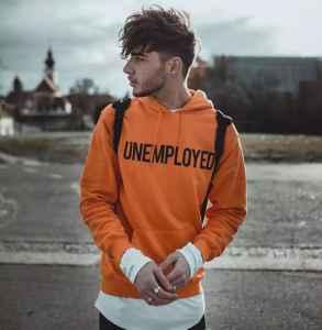 男生秋天橙色衣服怎么搭配