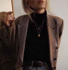 秋冬高领打底衫怎么搭配外套 高领打底衫怎么穿才时髦