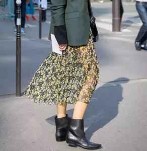 印花裙搭配什么外套好看