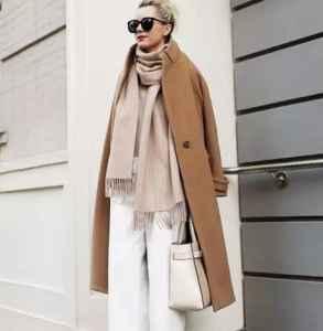 今年秋冬流行怎么穿衣打扮 2018年秋冬流行穿長不穿短
