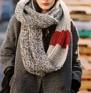 女生大衣和围巾怎么搭配 大衣加围巾冬天里的王炸组合