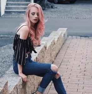 玫瑰金是什么颜色头发 欧美女星完美演绎玫瑰金发色