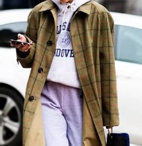 冬天衛衣外面穿什么好看 衛衣加外套溫度和時髦度都升級