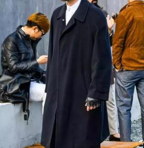 男生冬天黑色衣服怎么搭配 冬天黑出你的新高度