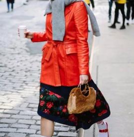 冬天穿什么颜色的衣服好看 2019都会流行的冬季配色你知道吗