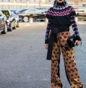 彩色針織衫怎么混搭 絢麗色彩混搭展示大膽異域風情