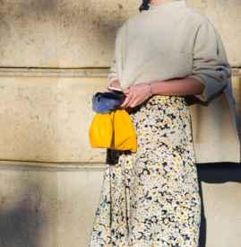 长款半身裙配什么毛衣 优雅高级灰与亮色才是王道